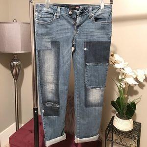 Tommy Hilfiger boyfriend patch jeans